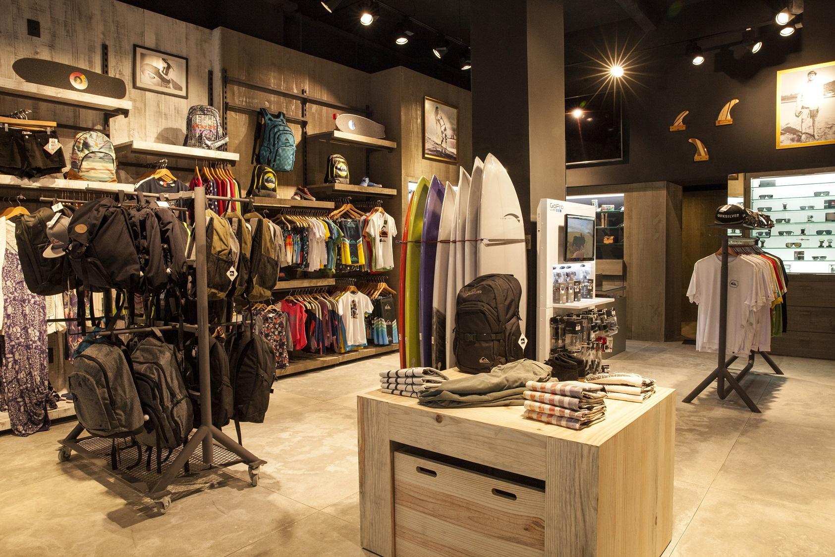 Quiksilver inaugura sua primeira unidade no ABC Paulista. Localizada no  Park Shopping São Caetano a3ebfb9d8c9