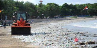 Bali restringe plástico
