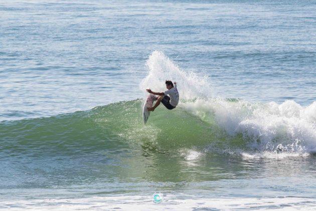 Fabio Martins, MCD 30 Pés de Surf Pro/Am, Praia Brava, Matinhos (PR). Foto: Rodrigo Gomes.
