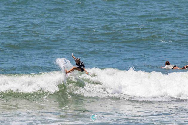 Luara Mandelli, MCD 30 Pés de Surf Pro/Am, Praia Brava, Matinhos (PR). Foto: Rodrigo Gomes.