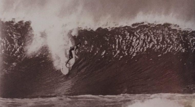 Pepê Lopes, Pipeline, Havaí, 1977. Foto: Divulgalção.