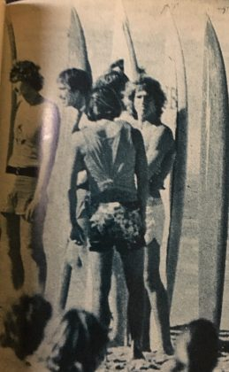 Pepê Lopes, Mark Richards, Rory Russell e Gerry Lopez, Pipeline, Havaí, 1977. Foto: Divulgação.