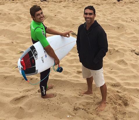 João Vitor Chumbinho e André Teixeira, Mundial Pro Junior 2018, Kiama, Austrália. Foto: Arquivo pessoal.