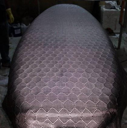 Pranchas para usos diferenciados, como foil, costumam trazer novos materiais às fábricas. Foto: Reprodução.