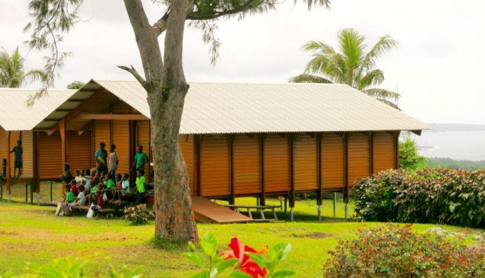 As casas apresentam fundações que podem resistir a ciclones de categoria 5, são apropriadas às temperaturas dos trópicos e tem custo barato, mesmo para construção de escolas e centros de saúde. Foto: Reprodução