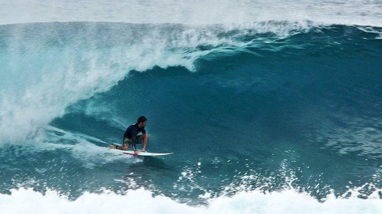 Lapo Coutinho, Pipeline, North Shore de Oahu, Havaí. Foto: Bruno Lemos / Sony Brasil.