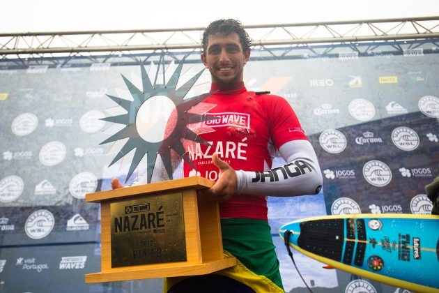 Lucas Chumbinho, Nazaré Challenge 2018, Praia do Norte, Portugal. Foto: WSL / Masurel.