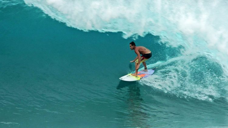 Makua Rothman, Backdoor, North Shore de Oahu, Havaí. Foto: Bruno Lemos / Sony Brasil.