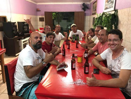 À espera da janta depois da missão na Urca, Expedição à Urca do Minhoto (RN). Foto: Fabio_Gouveia.