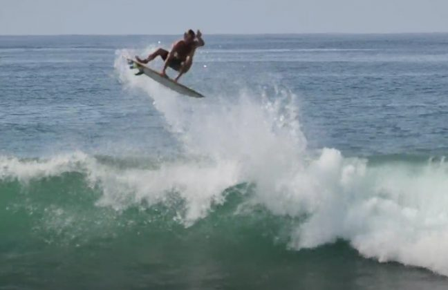 Josh Kerr parece ter aprovado esse tipo de construção nas ondas mexicanas. Foto: Reprodução