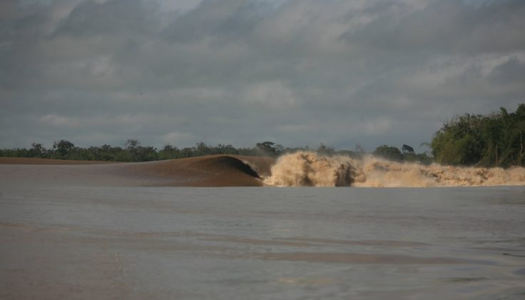 Classic!, Pororoca do Rio Araguari (AP). Foto: Toninho Jr..