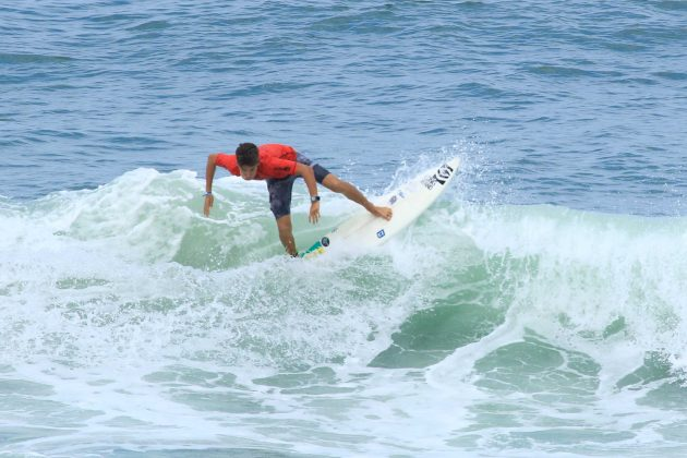 Derek Matos, Fico Surf Festival 2018, praia do Tombo, Guarujá (SP). Foto: Silvia Winik.