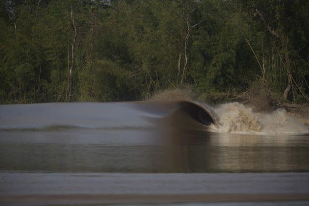 Em determinados pontos, a pororoca encontrava a perfeição, Pororoca do Rio Araguari (AP). Foto: Bruno_Alves.