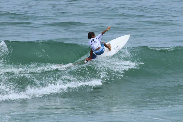 Enzo Yagui, Fico Surf Festival 2018, praia do Tombo, Guarujá (SP). Foto: Silvia Winik.