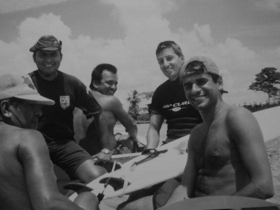 Equipe de 1999 que naufragou, Pororoca do Rio Araguari (AP). Foto: Bruno_Alves.