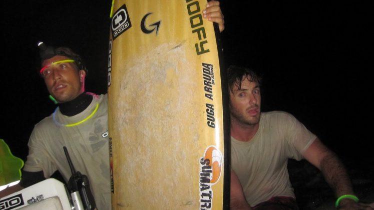 Essa imagem reflete a alucinação que foi esse surf noturno no rio, Pororoca do Rio Araguari (AP). Foto: Bruno_Alves.