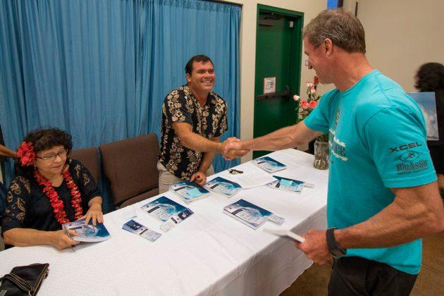 Lançamento do livro Vida, sonhos e surf. Heritage Hall, Maui, Havaí. Foto: Marcio Viana