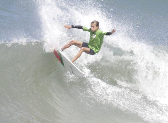 Heitor Mueller. Silverbay Catarinense 2018, Praia da Ferrugem, Garopaba. Foto: Basilio Ruy/P.P07