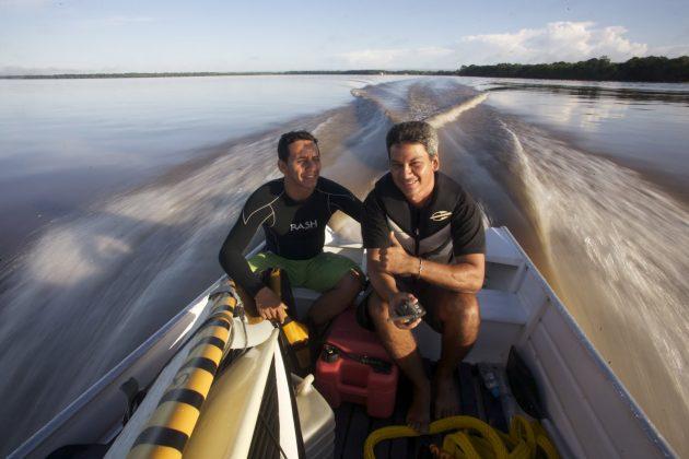 Logo cedo, Major Hilley e Márcio partem para a foz do Araguari, Pororoca do Rio Araguari (AP). Foto: Bruno_Alves.