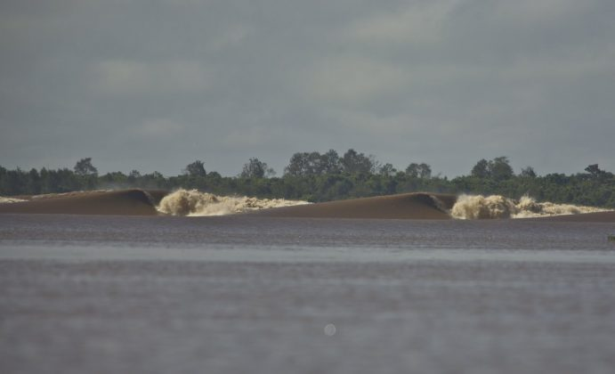 Ou Bawa, na Sumatra, Pororoca do Rio Araguari (AP). Foto: Bruno_Alves.