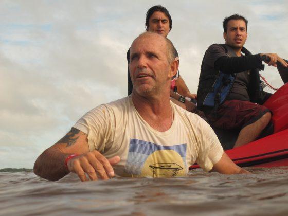 Picuruta e Ross Clark Jones, Pororoca do Rio Araguari (AP). Foto: Toninho Jr..
