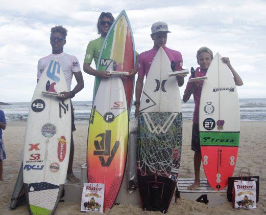 Pódio Mirim. Silverbay Catarinense 2018, Praia da Ferrugem, Garopaba. Foto: Basilio Ruy/P.P07