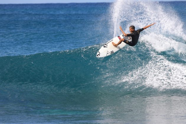Renan Hanada, Rocky Point, North Shore de Oahu, Havaí. Foto: Sebastian Rojas.