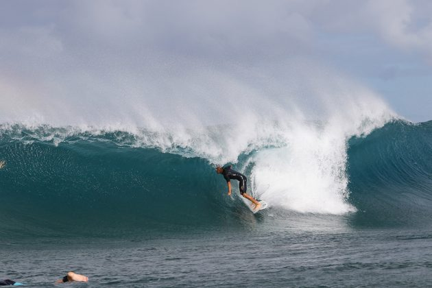 Renan Hanada, V-Land, North Shore de Oahu, Havaí. Foto: Sebastian Rojas.