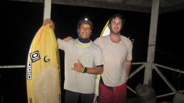 Serginho Laus e Skeet, missão cumprida, Pororoca do Rio Araguari (AP). Foto: Bruno_Alves.