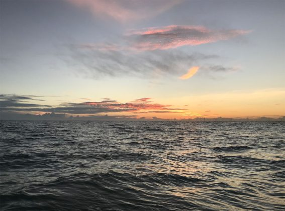 Sol raiando durante a navegação, Expedição à Urca do Minhoto (RN). Foto: Fabio_Gouveia.