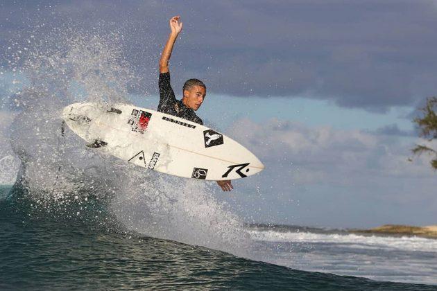 Renan Hanada, North Shore de Oahu, Havaí. Foto: Sebastian Rojas.