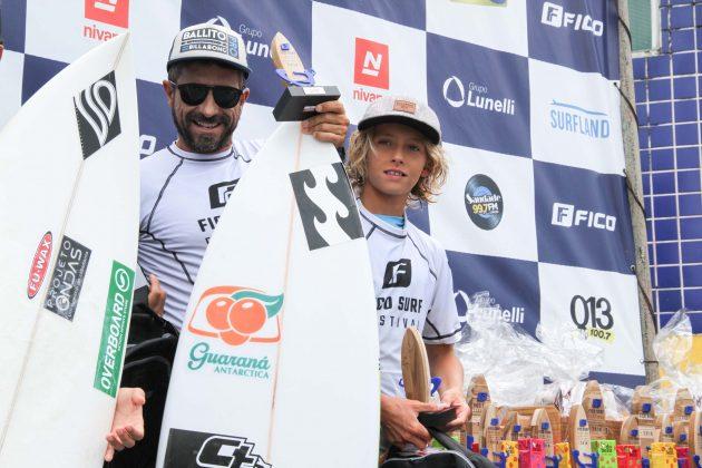 Alex Miranda e Ryan Kainalo, Fico Surf Festival 2018, praia do Tombo, Guarujá (SP). Foto: Silvia Winik.