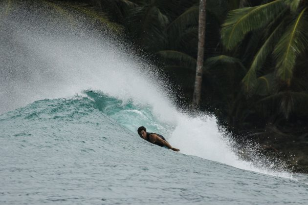 Cris Mills. Ilhas Mentawai, Indonésia. Foto: Bruno Veiga / Liquid Eye