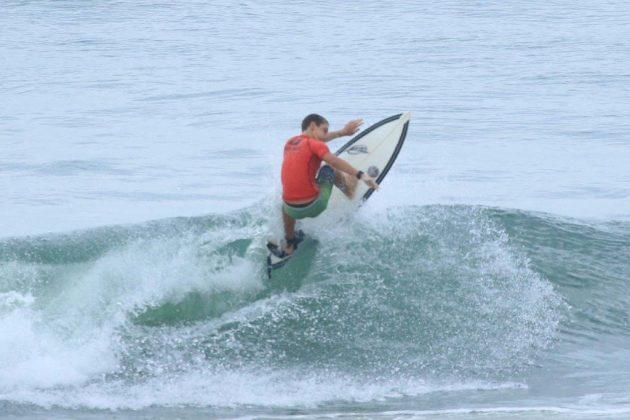 Pedro Pupo, Fico Surf Festival 2018, praia do Tombo, Guarujá (SP). Foto: Silvia Winik.