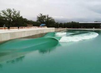 Piscina de ondas em Waco, Texas (EUA)