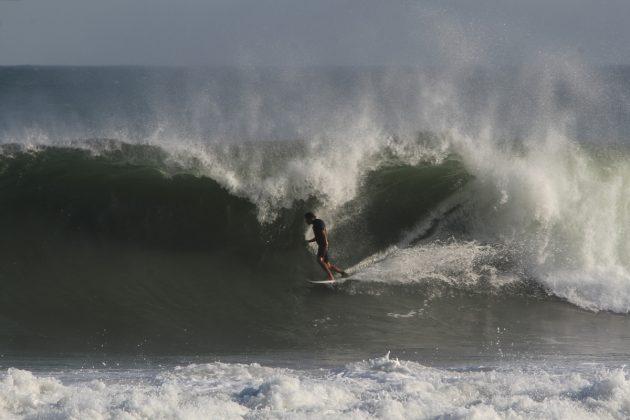 Thiago Camarão. Maresias, São Sebastião (SP). Foto: Paulo Augusto / Guadaluppe Filmes