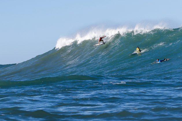 Lucas Chumbo. Mormaii Big Wave 2018, praia do Cardoso, Farol de Santa Marta (SC). Foto: Sebastian Rojas