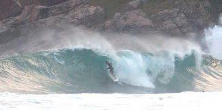 Swell encosta em Maresias