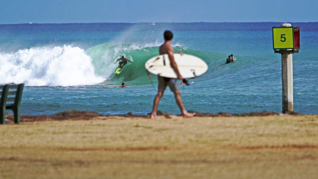 O surfe como terapia já usado em vários países.