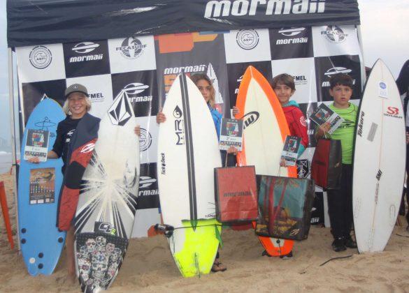 Pódio Petiz, Surfuturo Groms 2018, Praia Brava, Itajaí (SC). Foto: Basilio Ruy/P.P07.