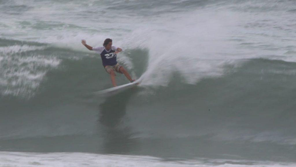 Kauai Marinho, 16 anos, já teve a experiência de competir na categoria Pro, também em eventos da FESERJ, e agora tem uma nova chance.