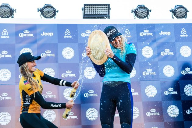 Lakey Peterson e Stephanie Gilmore, Open J-Bay Women´s 2018, Jeffreys Bay, África do Sul. Foto: WSL / Cestari.