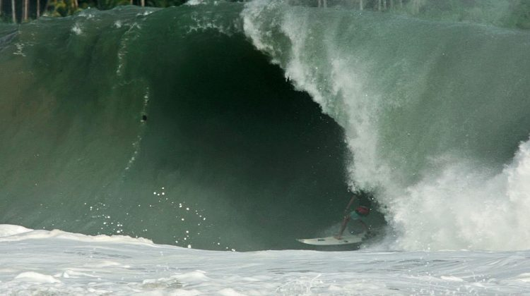 Matt Bromley, Nias, Indonésia. Foto: Bruno Lemos / Sony Brasil.