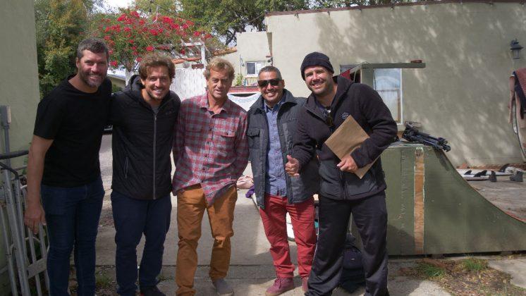 Antôno Zanella, Luciano Burin, Tom Curren, Fabio Gouveia e Pietro França, Califórnia (EUA). Foto: Arquivo pessoal.