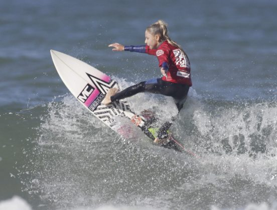 Gabriely Vasque, Surfuturo Groms 2018, Atalaia, Itajaí (SC). Foto: Basilio Ruy/P.P07.