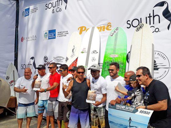 Pódio do Longboard Masculino, Rio Surf Pro Brasil 2018, Macumba (RJ). Foto: Pedro Monteiro.