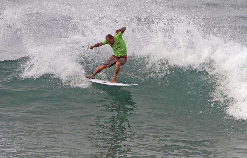 Ex-Top da elite mundial, Raoni Monteiro é um dos grandes nomes do Rio Surf Pro.