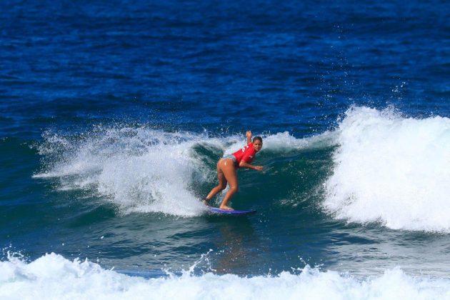 Karol Ribeiro. CBSurf Pro Tour 2018, Praia de Maresias (SP). Foto: Aleko Stergiou