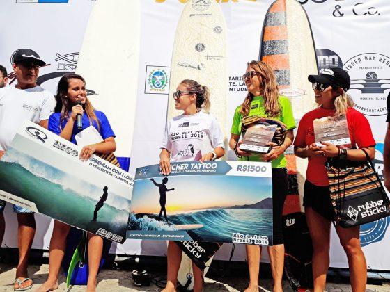 Pódio do Longboard Feminino, Rio Surf Pro Brasil 2018, Macumba (RJ). Foto: Pedro Monteiro.