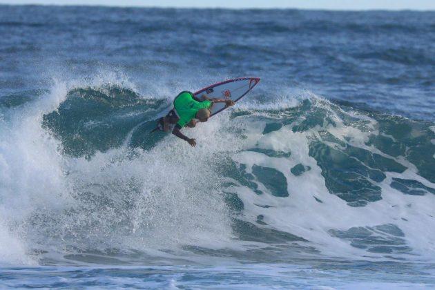 Samuel Pupo. CBSurf Pro Tour 2018, Praia de Maresias (SP). Foto: Aleko Stergiou